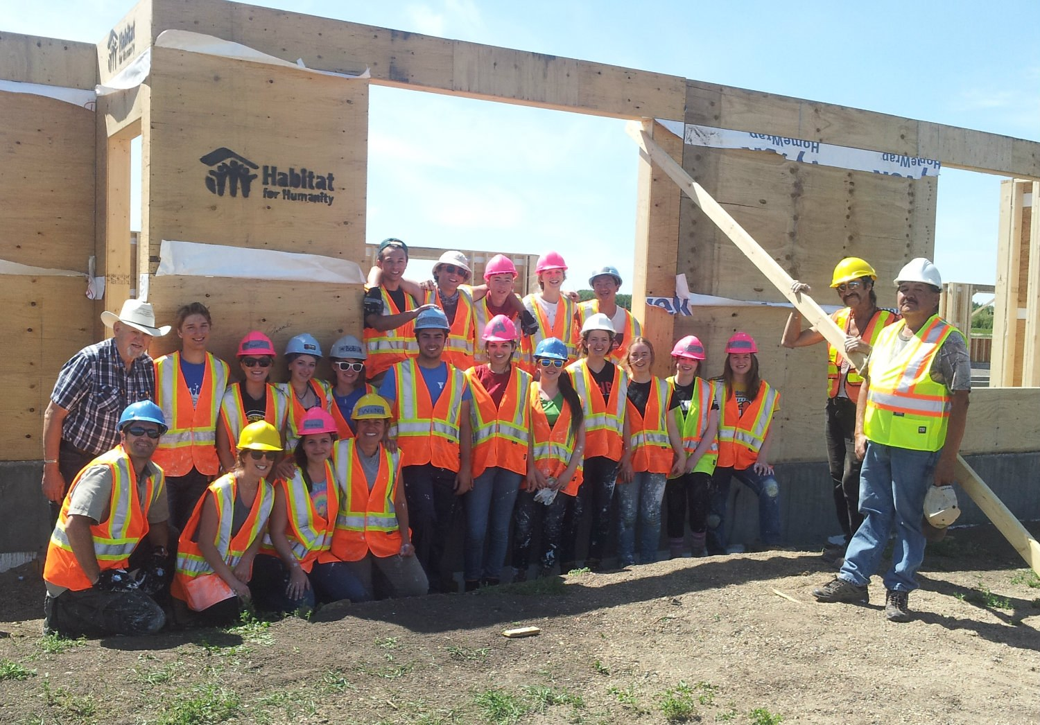 Indigenous housing partnership habitat for humanity canada for Construction habitat